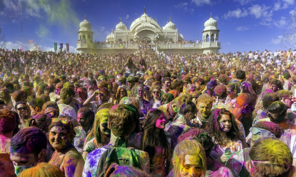 How to celebrate holi